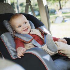 No usar la silla infantil es una causa de inmovilización del vehículo